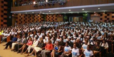 La actividad se celebró en el Pabellón de la Fama del Centro Olímpico Juan Pablo Duarte.