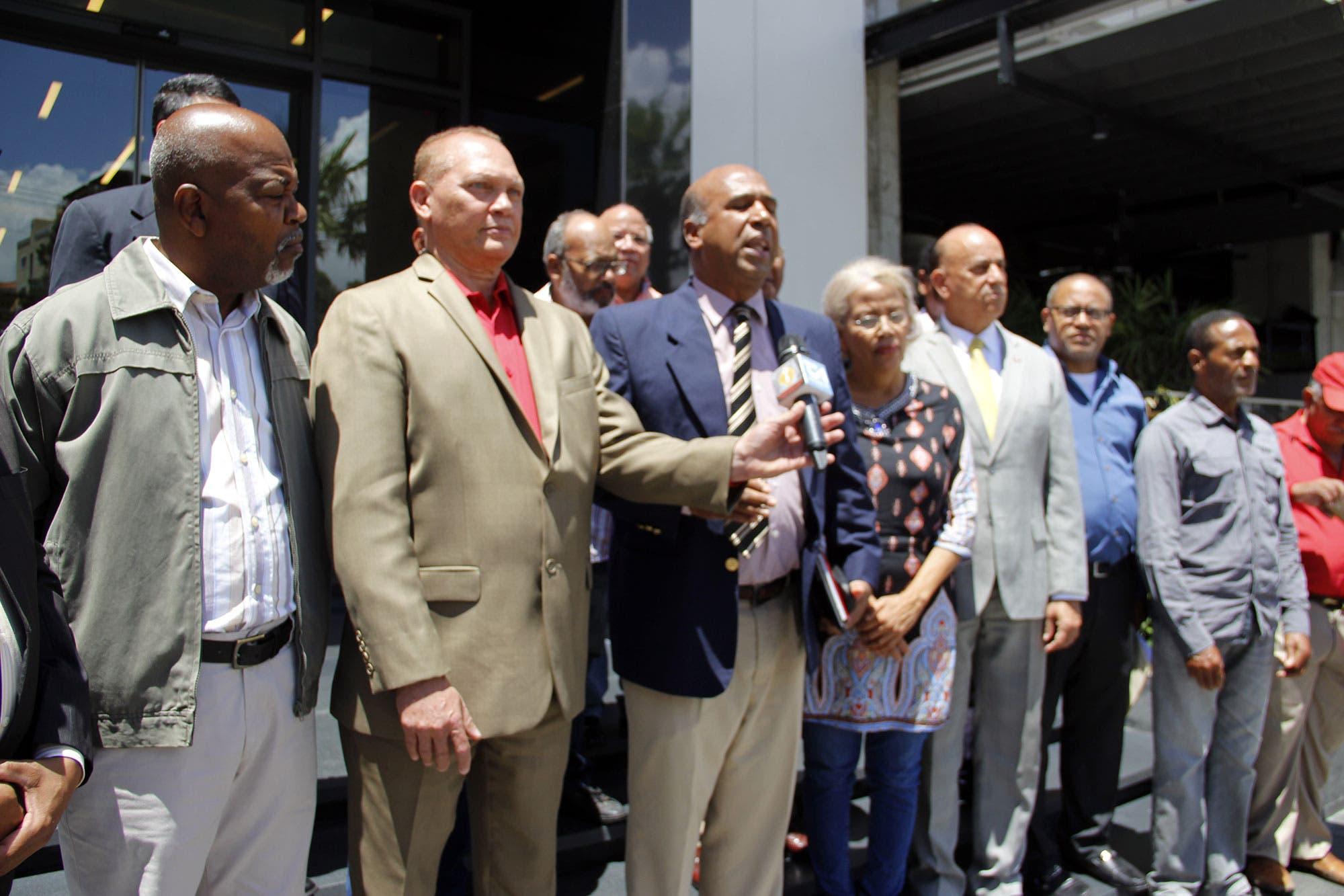 Partidos políticos dominicanos demandan la puesta en libertad de Lula