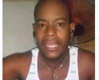 Andrés Trinidad Mejía denunció a través de un video que la Policía lo torturó y que lo acusa de un crimen que no cometió.