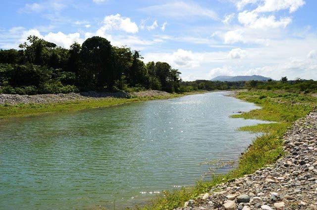 Hallan hombre ahogado en río Bajabonico de Imbert y otro muere en accidente vial