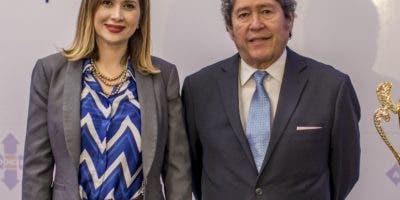 Odile Miniño Bogaert y Fernando González.