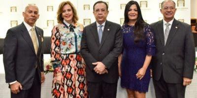 Eduardo Gautreau de Windt, Clarissa de la Rocha de Torres, Héctor Valdez Albizu, Narda Marizán y José Alcántara Almánzar.