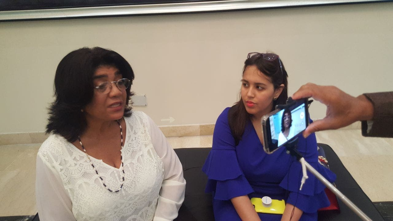 Sonia Díaz y Laura Hernández ven  la acción como una desconsideración. Foto José Miguel de la Rosa.