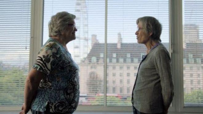 Jackie (izquierda) y Gillian (derecha) son gemelas pero tienen índices de masa corporal diferentes.