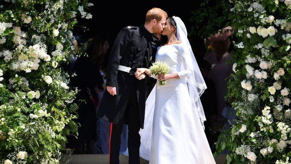 1. El príncipe Harry y Meghan Markle ya son marido y mujer.