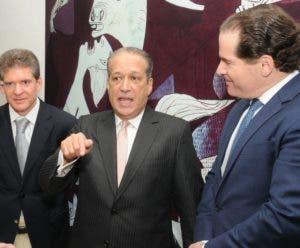 José Alfredo Corripio, Reinaldo Pared y Manuel Corripio.