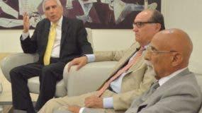 Emmanuel Esquea, Eulogio Santaella y Federico Lalane José  mientras participan en el Almuerzo del Grupo Corripio.  Ana mármol