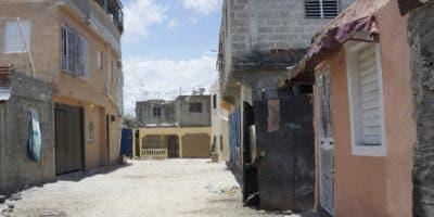 Moradores del lugar del hecho permanecen encerrados en sus hogares.  elieser tapia