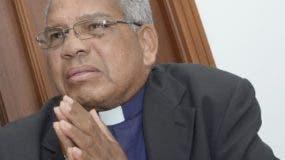 Monseñor Francisco Ozoria, arzobispo metropolitano.