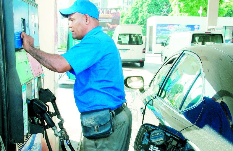 El mercado local de los combustibles ha sufrido el impacto.