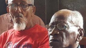 Muchos de los obreros están en edad de pensión.