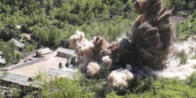 Corea del Norte   difundió esta foto  como prueba que voló  su base de pruebas nucleares.