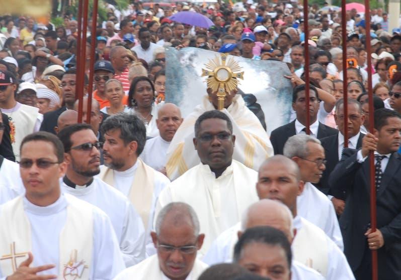 Es una tradición cada año realizar procesiones.  Archivo