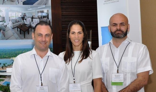 Raúl Gómez, Carina Tejeda y Erasmo Tejeda.