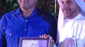 Empresario José Contreras  recibe acreditación RD.