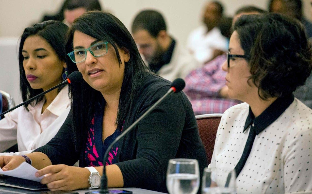 Beatriz Borges, del Centro Justicia y Paz, denunció  que el pluralismo político es débil.  AFP