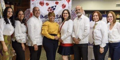 Maylim Sánchez, Virginia Irizarry, Hilario Montás, Ana Mercy Otáñez, Ginny Jacobo, Máximo Corporán, Vildania Núñez y Rosanna Fermín.