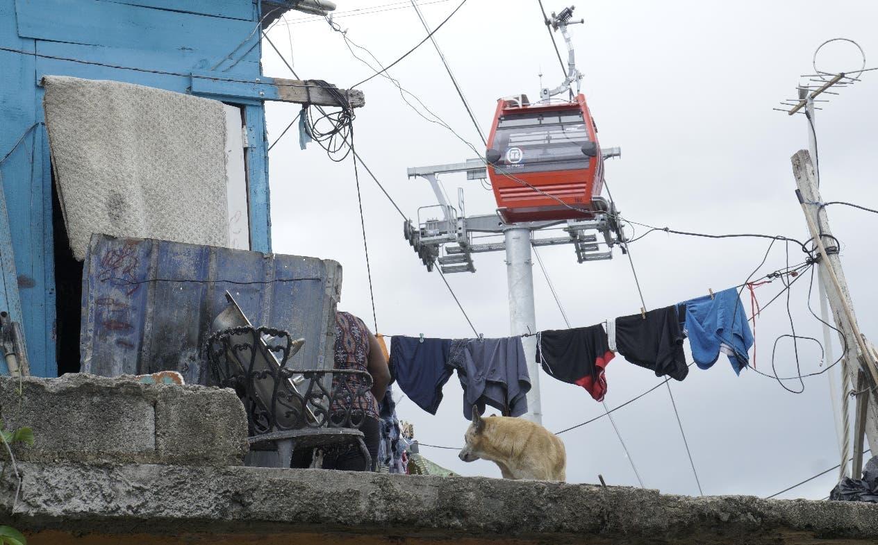 La cercanía de las cabinas con las viviendas preocupa a residentes de los diferentes barrios.