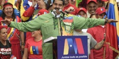 Maduro y Falcón prometieron sacar a Venezuela de la crisis.