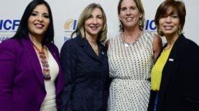 Claudia Escobar, Teresa Espaillat, Estephany Norris y Darly Solís.