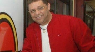 Domingo Bautista en la cabina de Hits 92.