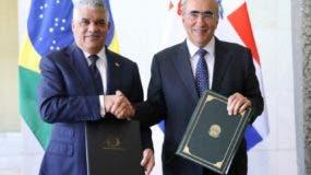 Canciller Miguel Vargas y el secretario general del Ministerio de Relaciones Exteriores de Brasil, Marcos Bezerra Abbott Galvão.