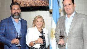 Andrés Villasmil, María Cristina Castro y José Antonio Álvarez hijo.