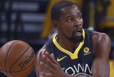 Kevin Durant anota 31.aP