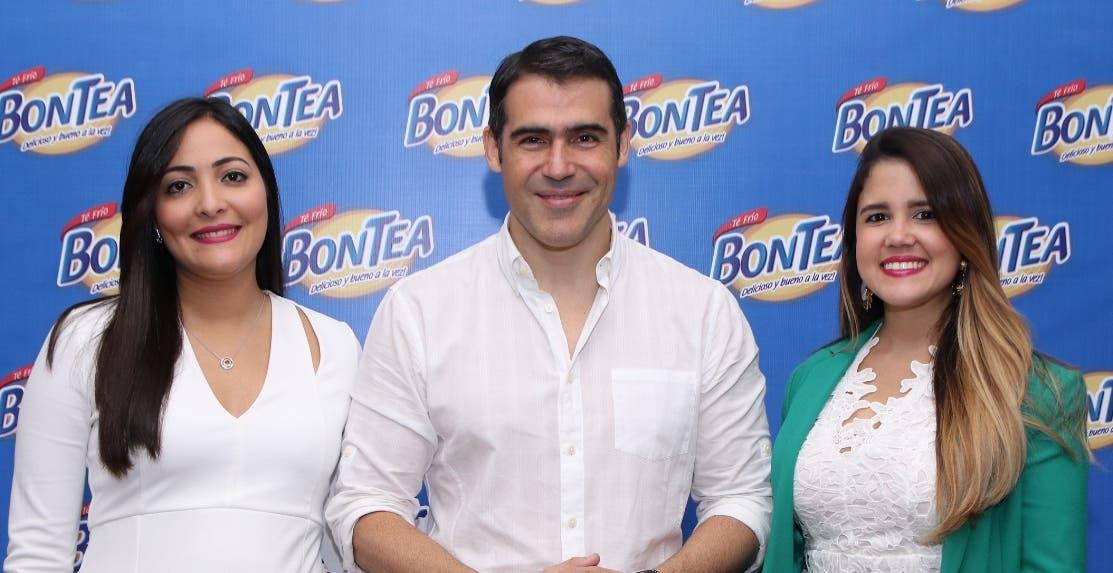 Olga Hernández, José Guillermo Cortines y Jennifer Terrero.
