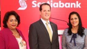 Consuelo Ángeles, Miguel Huller y  Belkis Mejía.