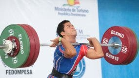 Luis García ejecuta un movimiento ayer en el Campeonato de Pesas, en donde ganó tres medallas de oro.  Fuente externa.