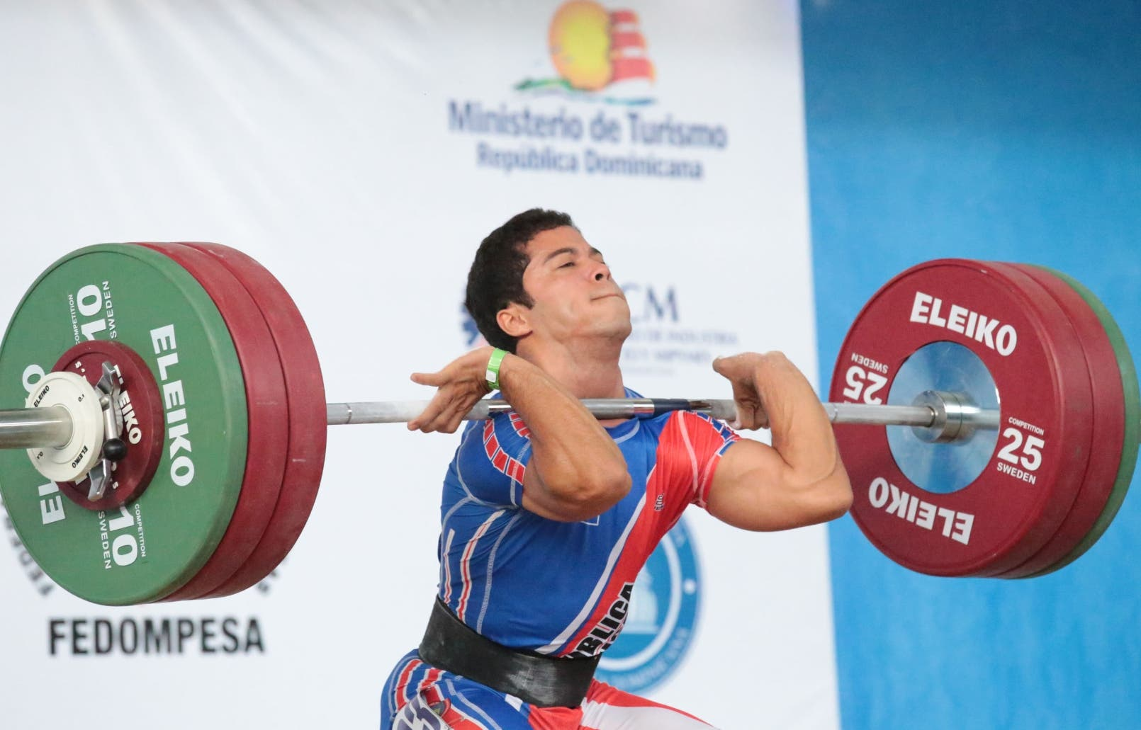 TRES ORO Silvestre ganó plata en Panam Pesas — GARCÍA