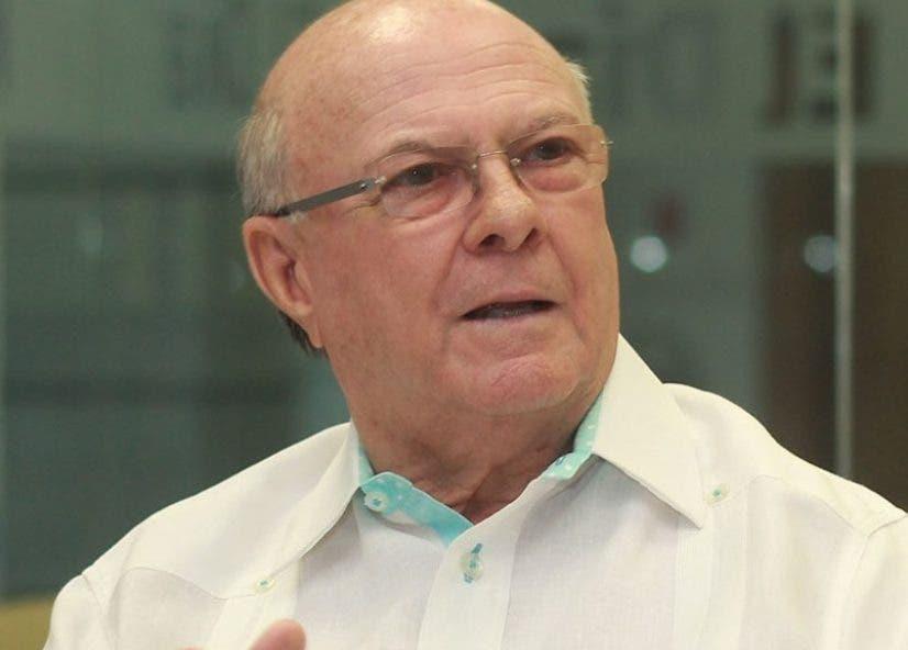 Mejía    sugiere Senado conozca el  régimen electoral.  Archivo.