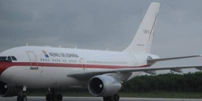 En este avión T.22-2, del ejército del aire del Reino Español, llegó anoche   doña Letizia a República Dominicana.  Nicolás  Monegro