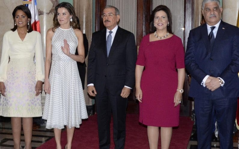 Cándida Montilla, Letizia Ortiz, Danilo Medina y Margarita Cedeño, previo al almuerzo en el Palacio.  José De León.