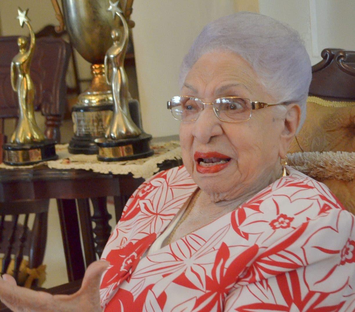 María Cristina  habla    del ante  del primer Gran Micrófono de Oro, y dos  Casandra.   Ana Mármol