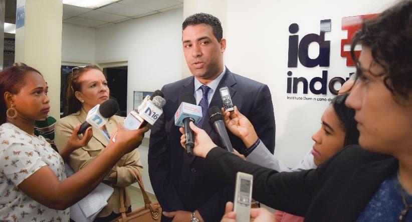 Marcos Herrera presentó oferta de Viva en licitación Indotel.