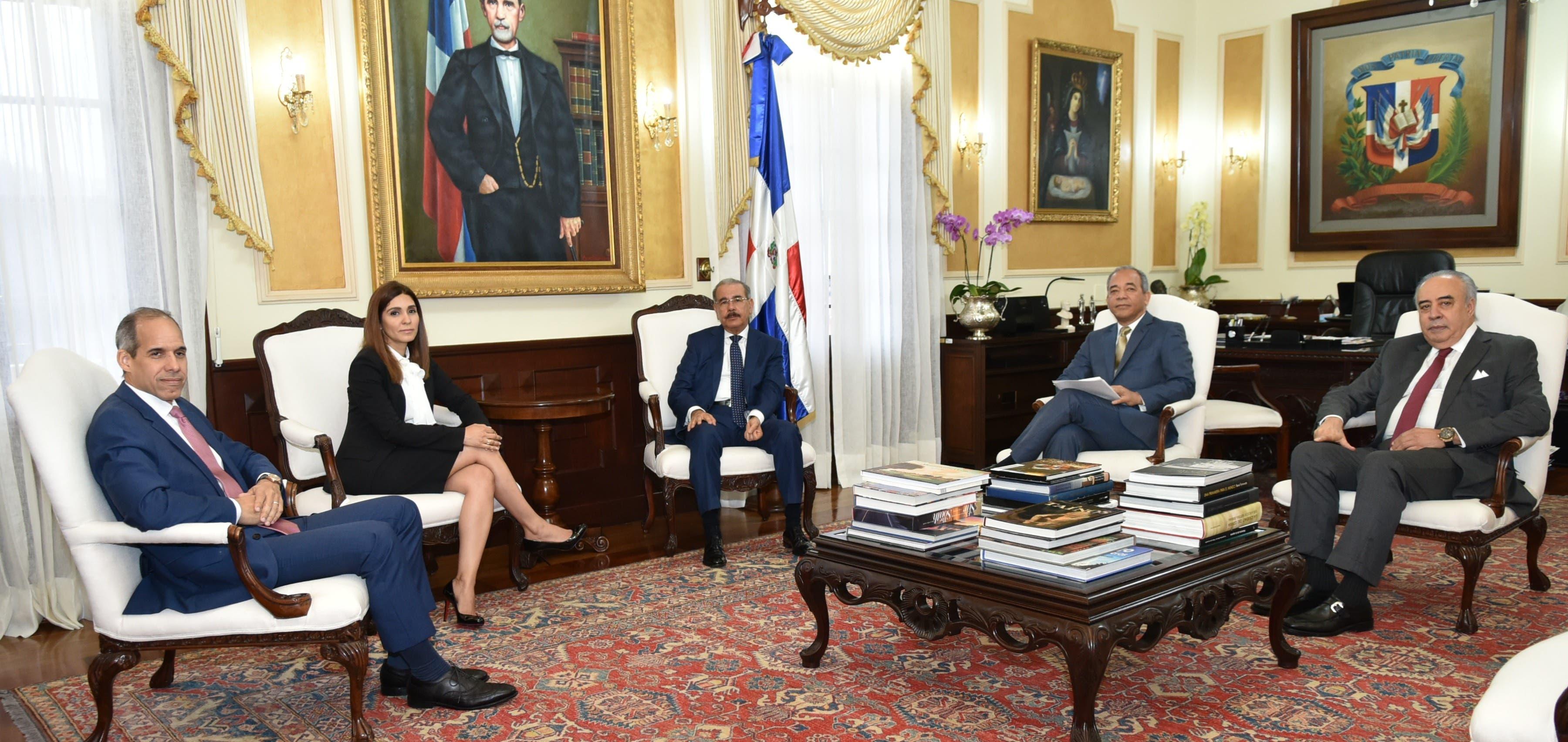 La información fue ofrecida durante una reunión con el presidente Danilo Medina en el Palacio Nacional.