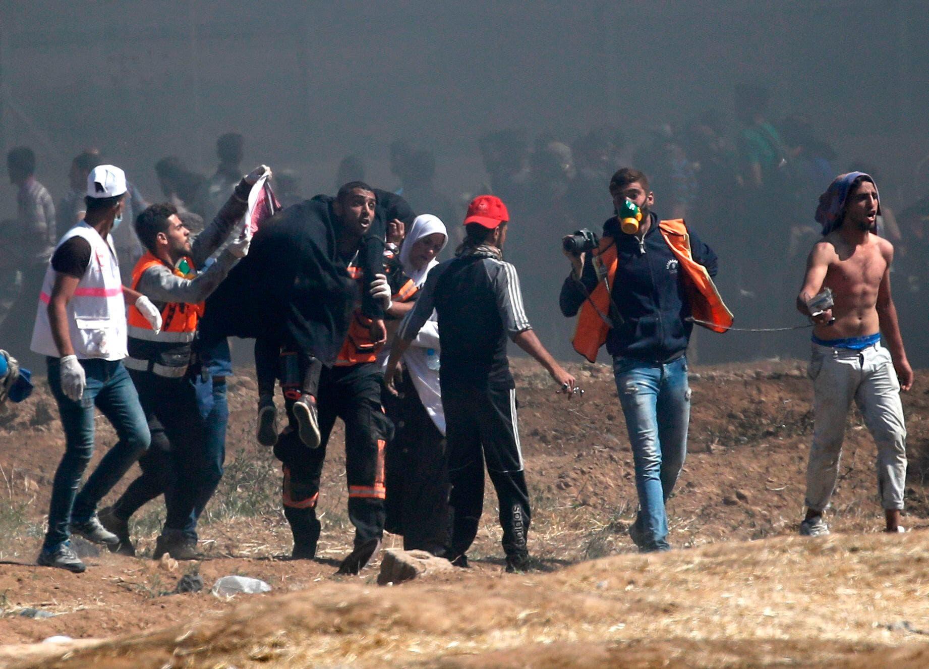 11. Los heridos se cuentan por decenas.