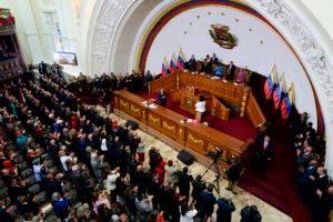 Maduro fue juramentado para un segundo mandato.