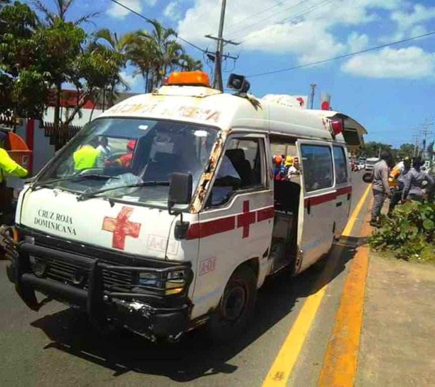 Ambulancia de la Cruz Roja Dominicana en Puerto Plata se cae a pedazos