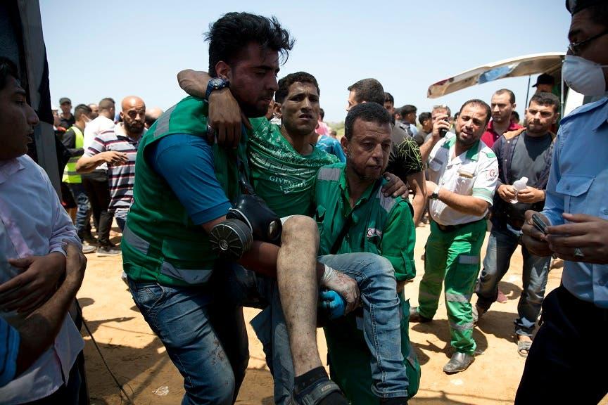 16. Más de 918 de los heridos lo fueron por munición real, cinco por balas recauchutada, 98 por restos de metralla, 196 por golpes y contusiones y más de 700 fueron atendidos por asfixia por gases lacrimógenos.