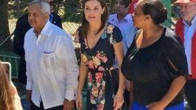 La reina viajará ahora a Haití