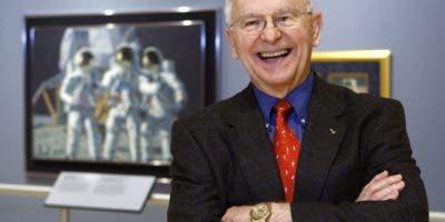 Alan Bean, el cuarto hombre en pisar la luna. AP
