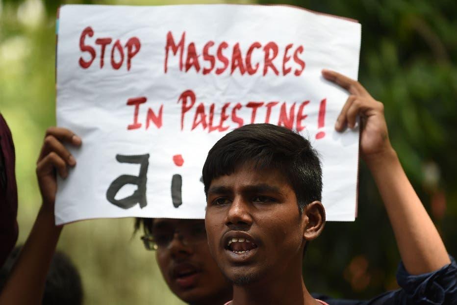 Israel bombardea posiciones de Hamas en Gaza, la Liga Árabe se reúne