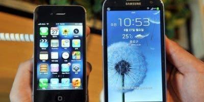 """Samsung ha negado estas acusaciones y ha garantizado que """"no lanzó ninguna actualización de software que redujera el rendimiento del (teléfono) Galaxy Note 4""""."""