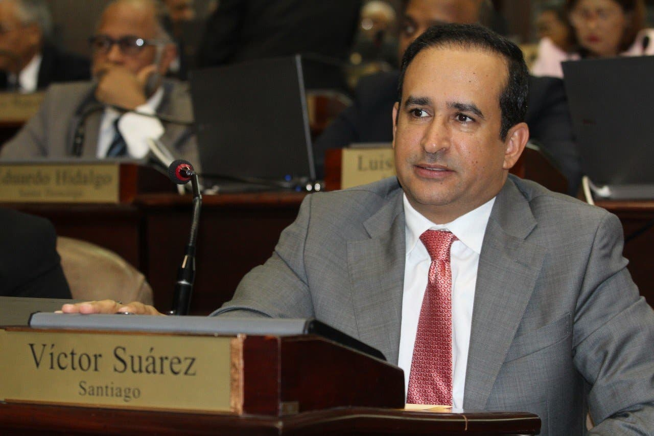 El diputado Víctor Suárez