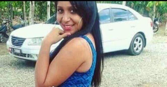 Policía persigue hombre que ultimó a una joven tras una discusión por accidente de tránsito