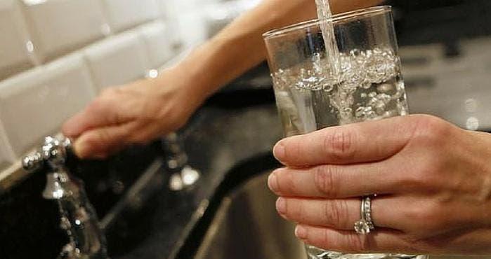 Un grupo de protección medioambiental pidió a la EPA que examine las instalaciones de agua potable en el país y que haga públicos los resultados.