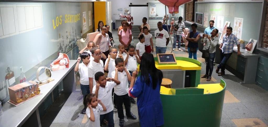 Niños del CAID disfrutan de taller recreativo en el Museo Trampolín